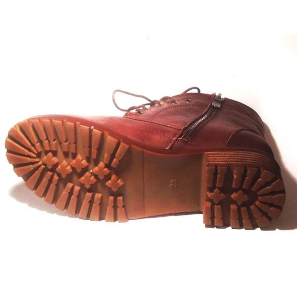 коричневые ботинки подошва