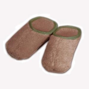 Пантолеты из овечьего меха с меховой подошвой